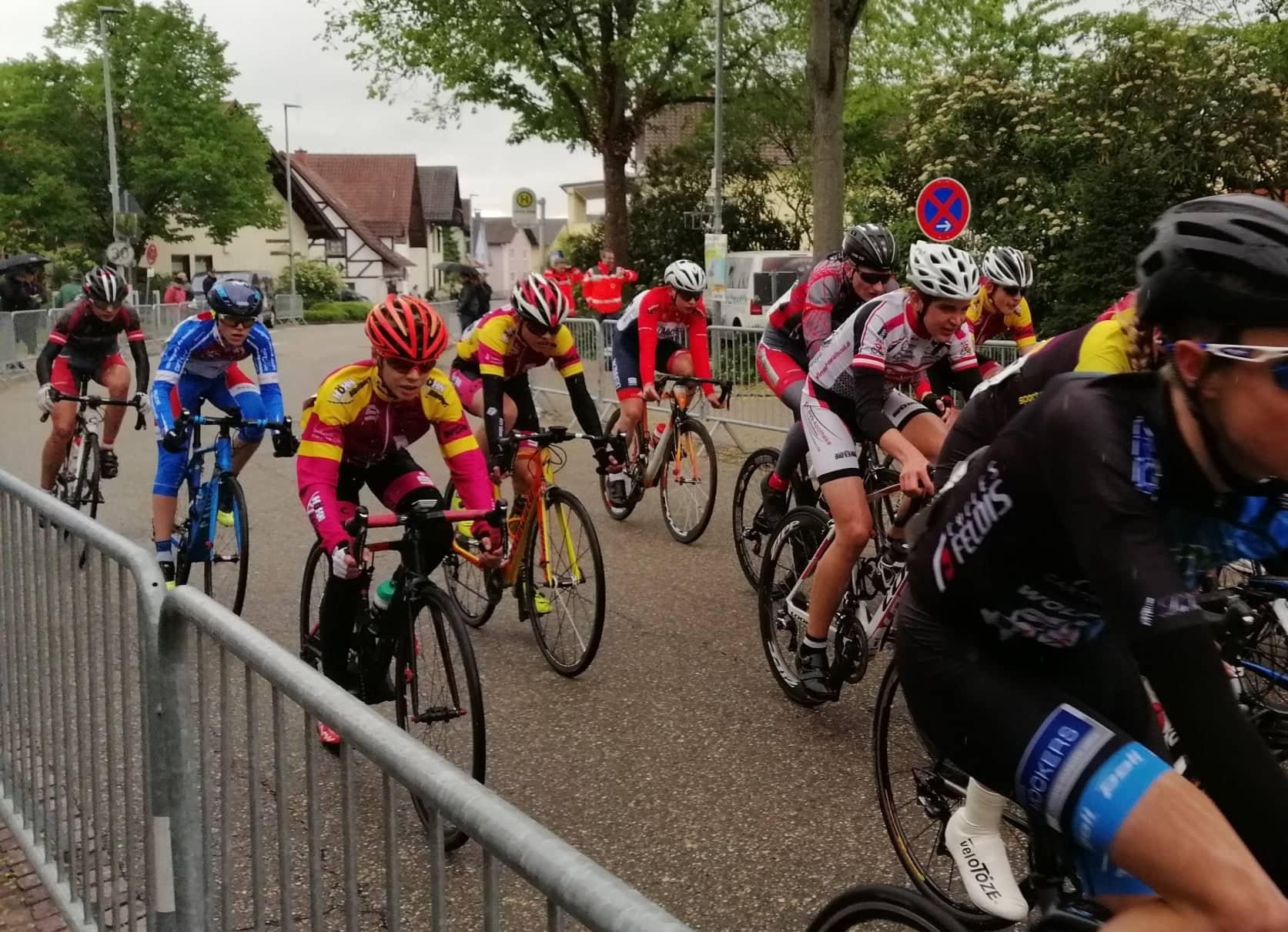 Jugendfahrer im Rennen